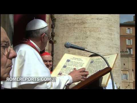 Pope Francis gives 'Urbi et Orbi' blessing  asks for peace in Korean peninsula