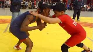 getlinkyoutube.com-Divya Sain plays big: - fights with Neelam, Tulsiram Sablaania Dangal, Rajindera Place, Delhi.