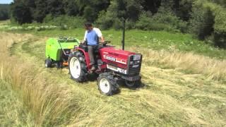 getlinkyoutube.com-Körbálázó japán kistraktorokhoz. Mini round baler for Japanese compact tractors.