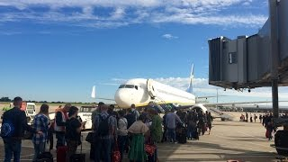 Pierwszy lot samolotem - odprawa, bagaż, bilety krok po kroku.