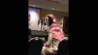 getlinkyoutube.com-معلمه امريكيه ترقص رقص سعودي ههههه