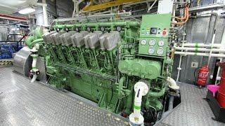 getlinkyoutube.com-ABC V12 Diesel Engine Startup - Tugboat 7200hp