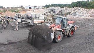 getlinkyoutube.com-Metso Nordberg Impact Crusher And Hitachi ZW310 Wheelloader Crushing Asphalt