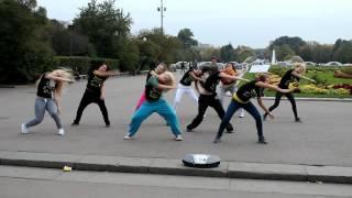 getlinkyoutube.com-Танцевальный флешмоб от школы  танцев DANCEHOME