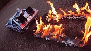 getlinkyoutube.com-Back To The Future inspired DeLorean Papercraft