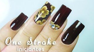 getlinkyoutube.com-Unhas Decoradas Flor ONE STROKE iniciantes e Aplicação de Jóia|One Stroke Nail art | Aline Makelyne
