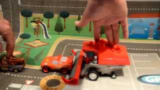 getlinkyoutube.com-Mega Bloks Disney Cars Tractor tipping toy set, Frank Harvester, Lightning Mcqueen, Mater