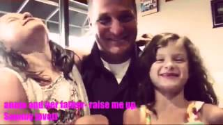 getlinkyoutube.com-Annie and her father raise me up