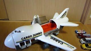 getlinkyoutube.com-トミカ カーゴジャンボ 【車を輸送する飛行機】 CARGO JUMBO