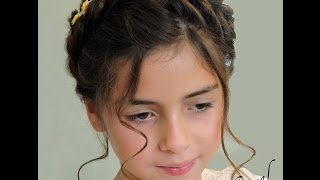 getlinkyoutube.com-Trenza Corona de Angel con Flores Paso a Paso |  Halo Braid with Flowers step by step