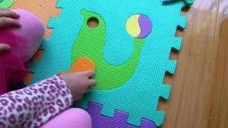 getlinkyoutube.com-Puzzle for kids. Animals, fruits and vegetables. Children like this toys and learn how puzzle make