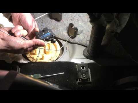 Где в Volkswagen Джетта топливный насос