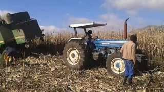 getlinkyoutube.com-Ford tractors pull out John Deere combine