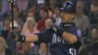 getlinkyoutube.com-イチローがバントでホームラン Ichiro Suzuki Bunt Home Run