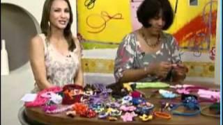 getlinkyoutube.com-Tiara revestida em fita com flor de fuxico - Programa mulher.com