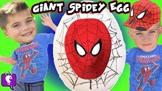 getlinkyoutube.com-GIANT Spiderman SURPRISE ATTACK Egg Hot Wheels Showdown! Marvel Kinder HobbyKidsTv