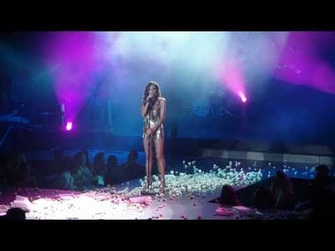 Despina Vandi @ Politeia Live Clubbing_Agapi - Ola odigoun se sena (3/5)