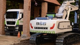 getlinkyoutube.com-Best of LIEBHERR RC Excavators at the construction site - Great RC Fun!