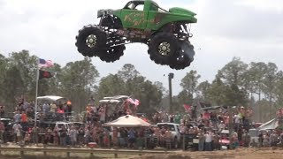 getlinkyoutube.com-Redneck Yacht Club Mud Park, Truck Races. Part 1