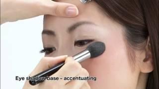 getlinkyoutube.com-Hakuhodo - How to use a makeup fude