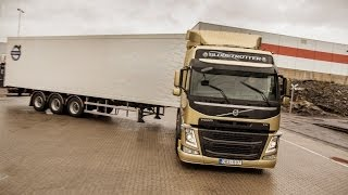 getlinkyoutube.com-Volvo Trucks - Demonstration of the unique technology Volvo Dynamic Steering