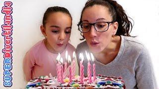 getlinkyoutube.com-Cumpleaños!! Fiesta, tarta y juego con galletas. SUPERDivertilandia.
