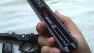 getlinkyoutube.com-Desmontando a Pistola Airsoft Spring Taurus PT 92 CyberGun (KWC)