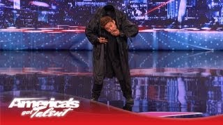 getlinkyoutube.com-Kenichi Ebina Performs an Epic Matrix- Style Martial Arts Dance - America's Got Talent