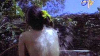 getlinkyoutube.com-Boom Boom Hot Dhamaka videos from Indian Movies-29