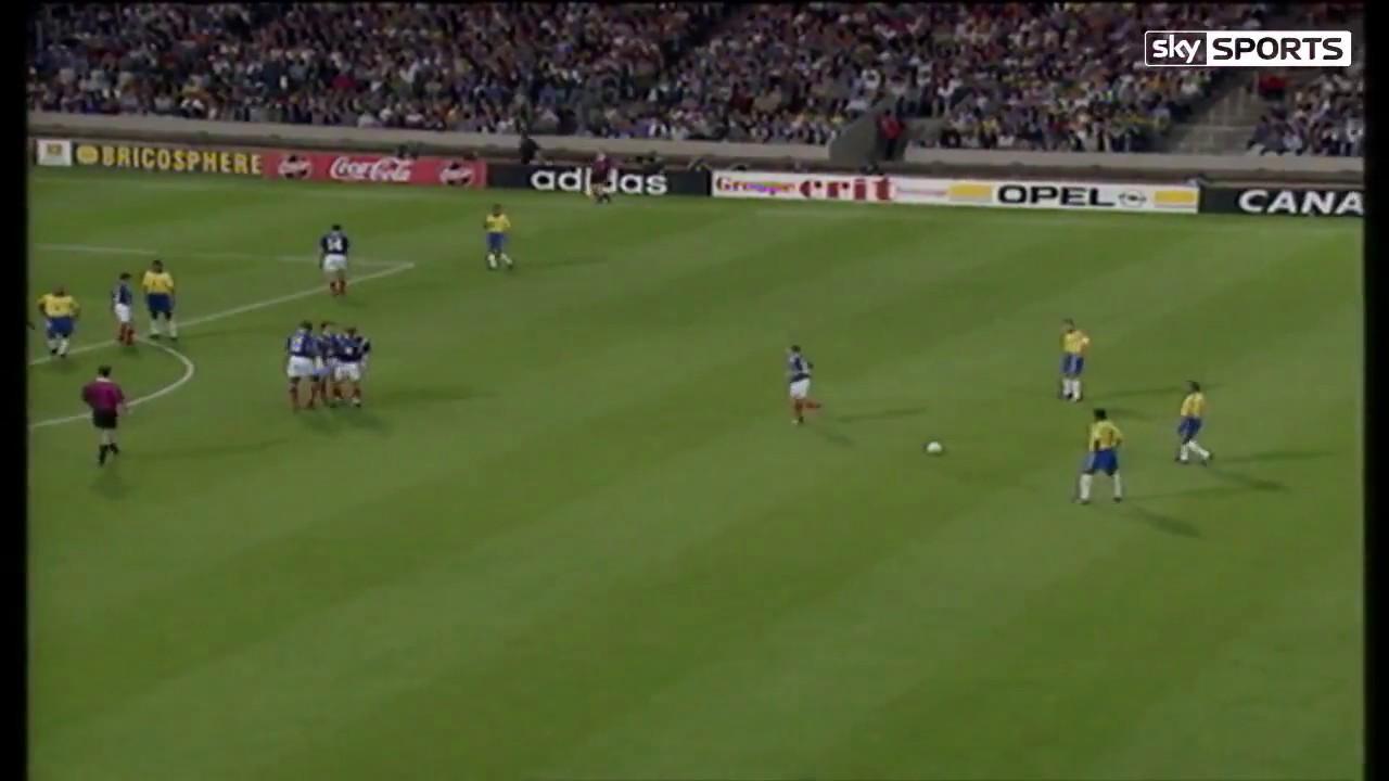 Roberto Carlos Incredible Free Kick - France 1997