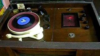 HMV Radiogram - Model 488.