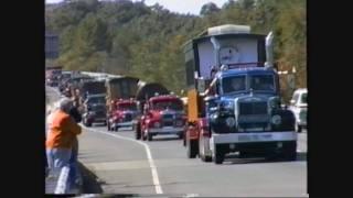 getlinkyoutube.com-Vintage Heavy Haul Trucks move Edaville Railroad equipment to Maine 09/19/1993