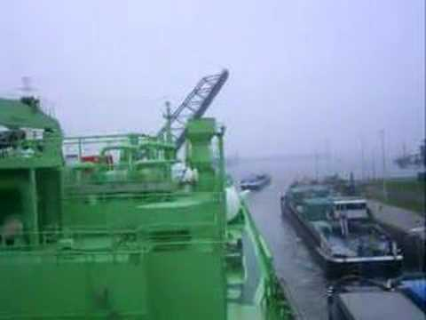 http://marine-vacancy.info/video/274171-Ship Video 17.html http