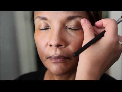 Maquiagem para pele madura escura