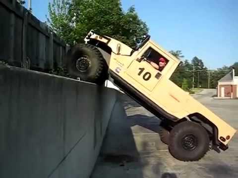 Hummer поднимается на стену, Hummer rises on the wall +