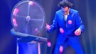 getlinkyoutube.com-Crazy Juggler ! Emile Carey - The world greatest Cabaret