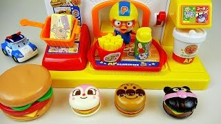 getlinkyoutube.com-Baby Doll Hamburger store and Robocar Poli toys