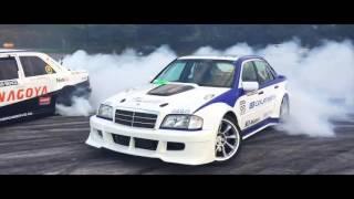 getlinkyoutube.com-Mercedes C 600 V12 Drift - Amon Oliver - MRT