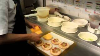 getlinkyoutube.com-Как готовят в McDonalds