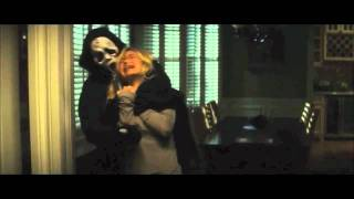 getlinkyoutube.com-Scream 4 Alt Opening: Marnie Cooper vs. Cici Cooper