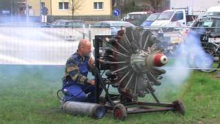 getlinkyoutube.com-Two 9 Cylinder Radial Engines - Start and Run - Sternmotor