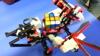 getlinkyoutube.com-Lego Mindstorm löst den Zauberwürfel