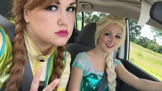 getlinkyoutube.com-Anna and Elsa Switched