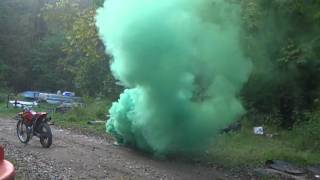 getlinkyoutube.com-M18 smoke grenade