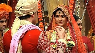 getlinkyoutube.com-Finally Kumud And Saras Got Married - Saraswatichandra Full Episode