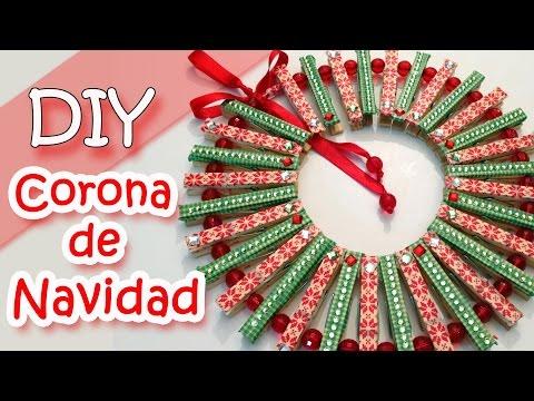 Manualidades de Navidad - Corona de Navidad hecha con pinzas de ropa | Christmas wreath