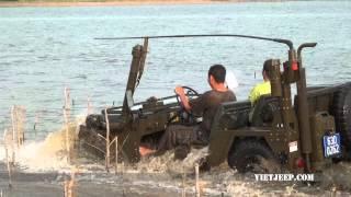 getlinkyoutube.com-Viet Jeep : Mutt M151 A2 Diving
