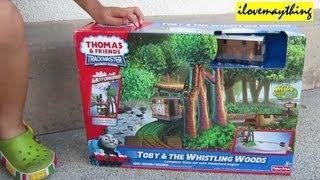 getlinkyoutube.com-Unboxing Toby & the Whistling Woods - Thomas Trackmaster Motorized Engine