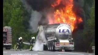 getlinkyoutube.com-Fire truck.  Incendio de camión en AP-68 Arrigorriaga.