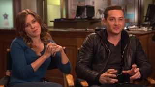getlinkyoutube.com-Chicago P.D. Special Crossover Episode with Law & Order: SVU: Sophia Bush & Jesse Lee Soffer